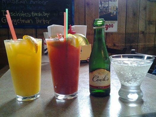 Sunday breakfast drinks in La Conner